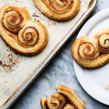 Слоеное печенье с пряностями